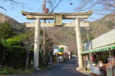その他の石材事業 神社・寺院の彫刻石材